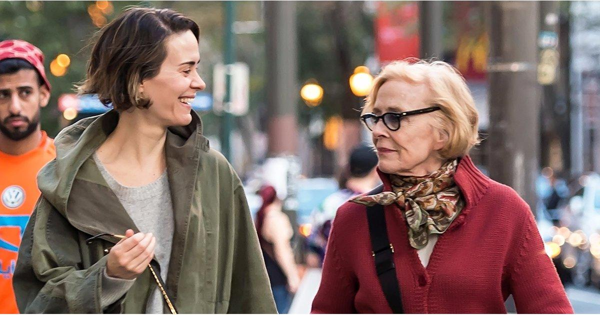 Sarah Paulson and Holland Taylor's Romantic Stroll Will Make Your Monday a Little Less Blue