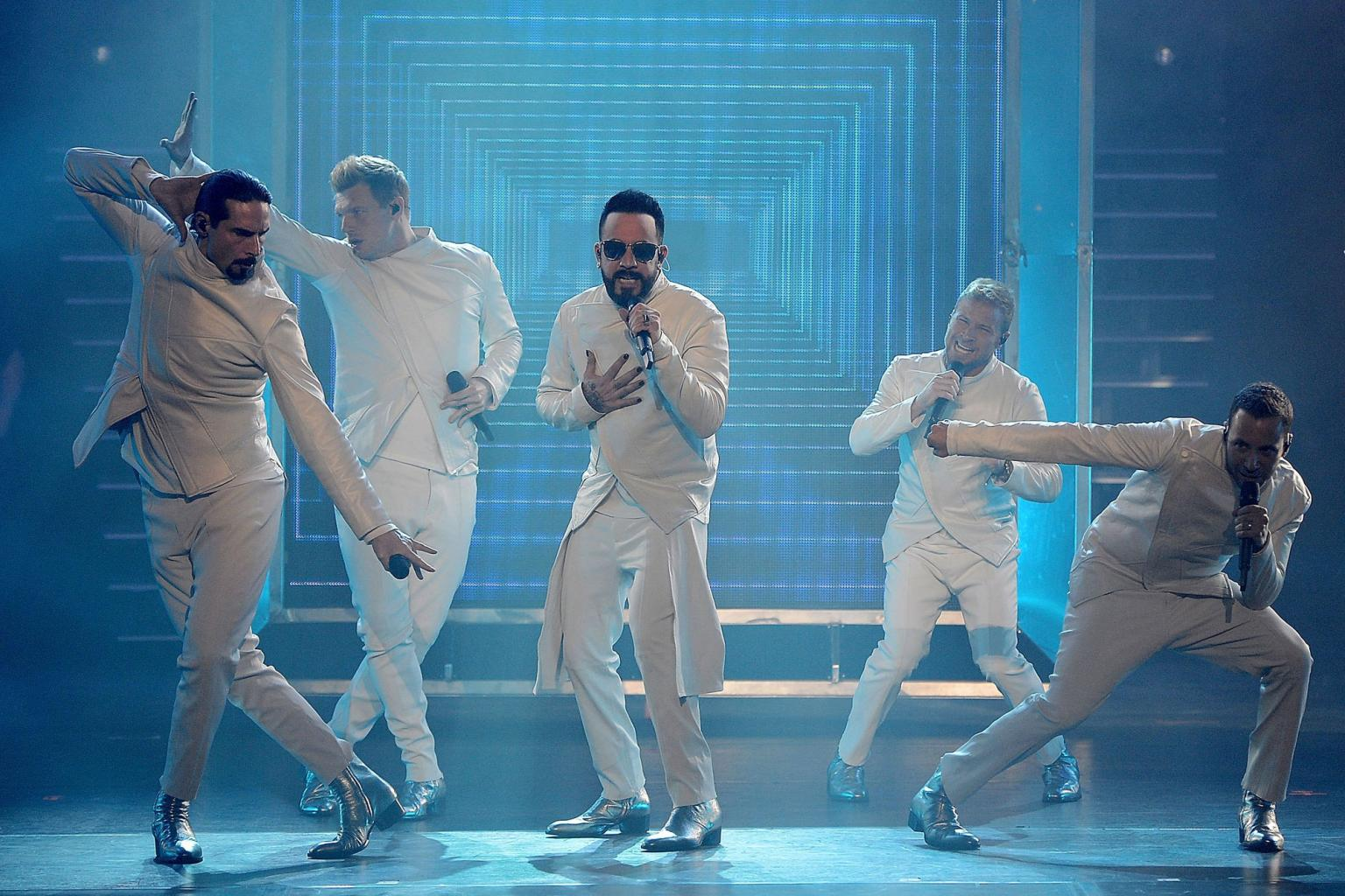 Backstreet Boys Extend Las Vegas Residency into 2018:    Everybody  's Ready to Cut  Loose!