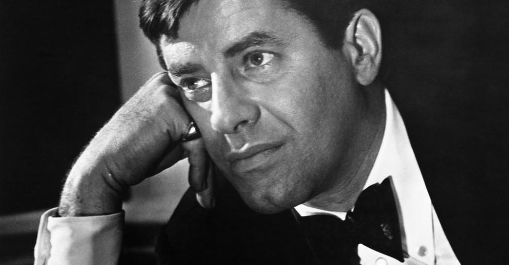 Jerry Lewis, Mercurial Comedian and Filmmaker, Dies at 91