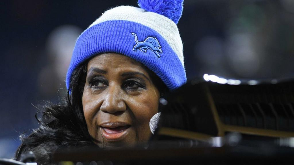 Aretha Franklin dazzles Detroit with remarkable 4 minute, 35 second national anthem (Video)
