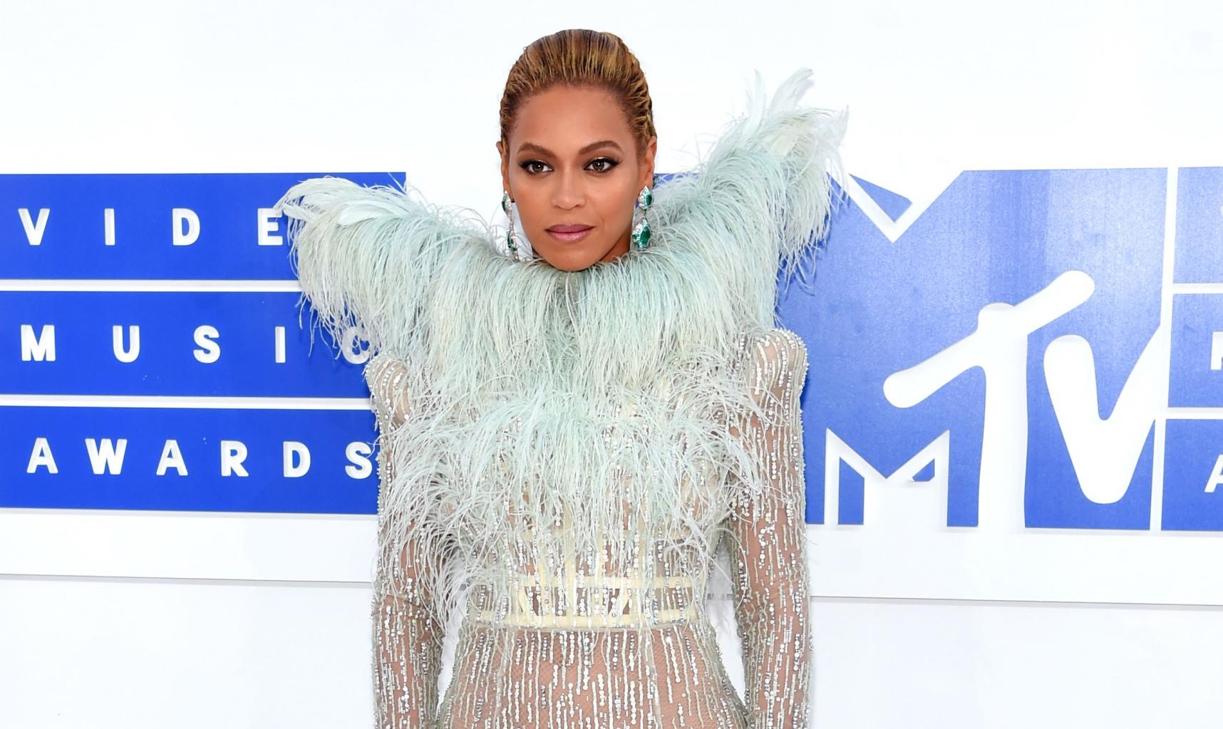 Beyonce, Justin Bieber Lead MTV Ema Nominations