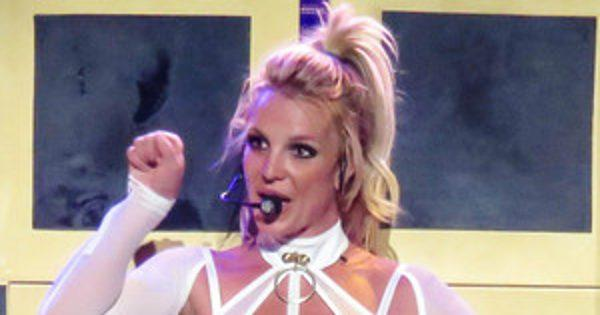 Britney Spears Opens Up About Why She's Nervous to Perform at the 2016 MTV Video Music Awards After a Decade Away