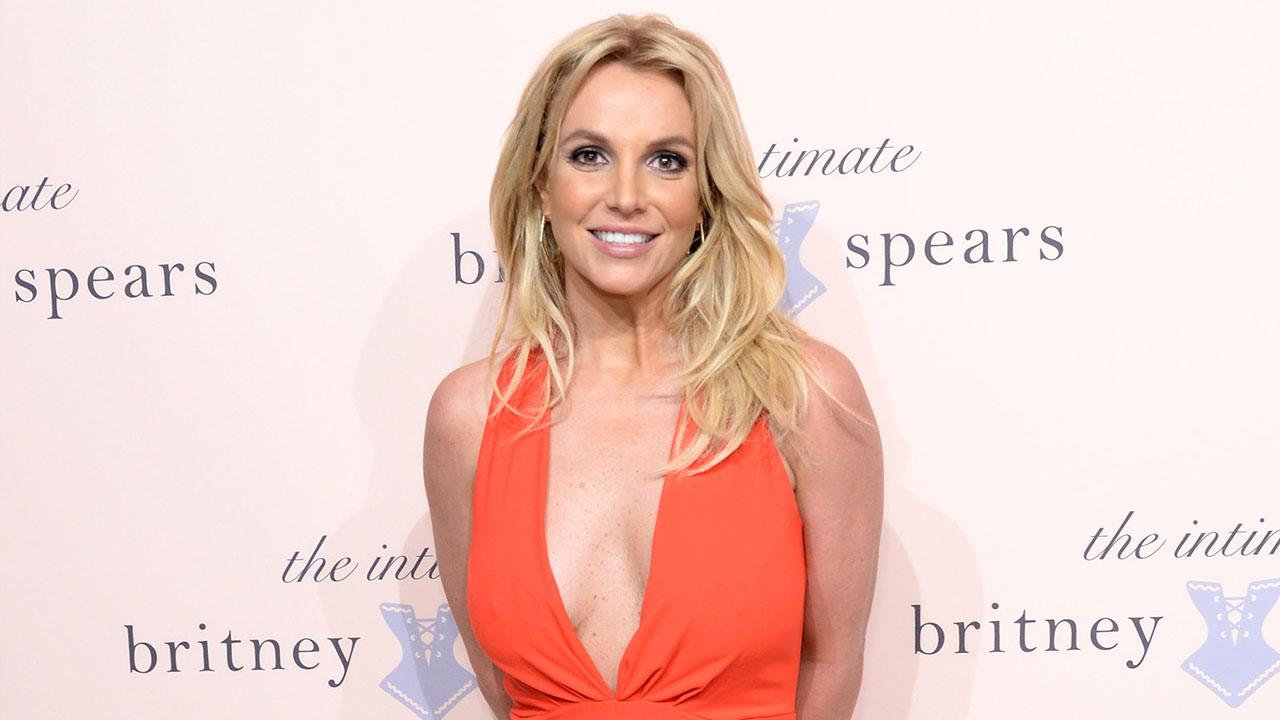 Britney Spears Snapped in Bed With Rumored Boyfriend, Proves She's Alive & Well After Sony Hack