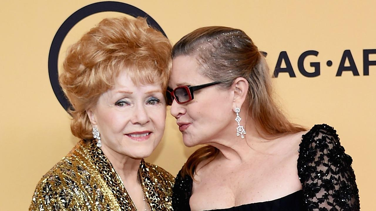 Carrie Fisher's Fans Create Makeshift Star on Walk of Fame, Mourners Pay Tribute to Debbie Reynolds