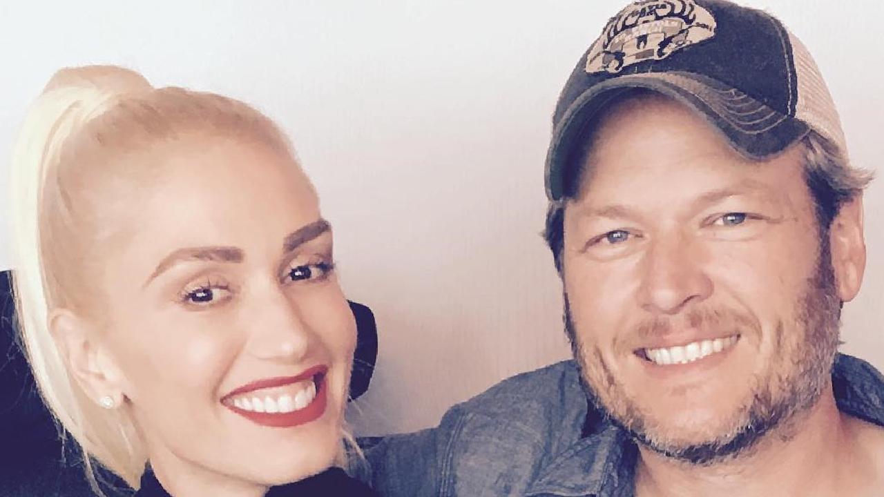 Gwen Stefani Makes a Surprise Appearance at Blake Shelton's Los Angeles Show, Parties Backstage