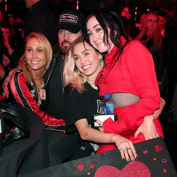 Here's Proof That Miley Cyrus and Her Family Had the Best Time at the 2017 iHeartRadio Music Awards