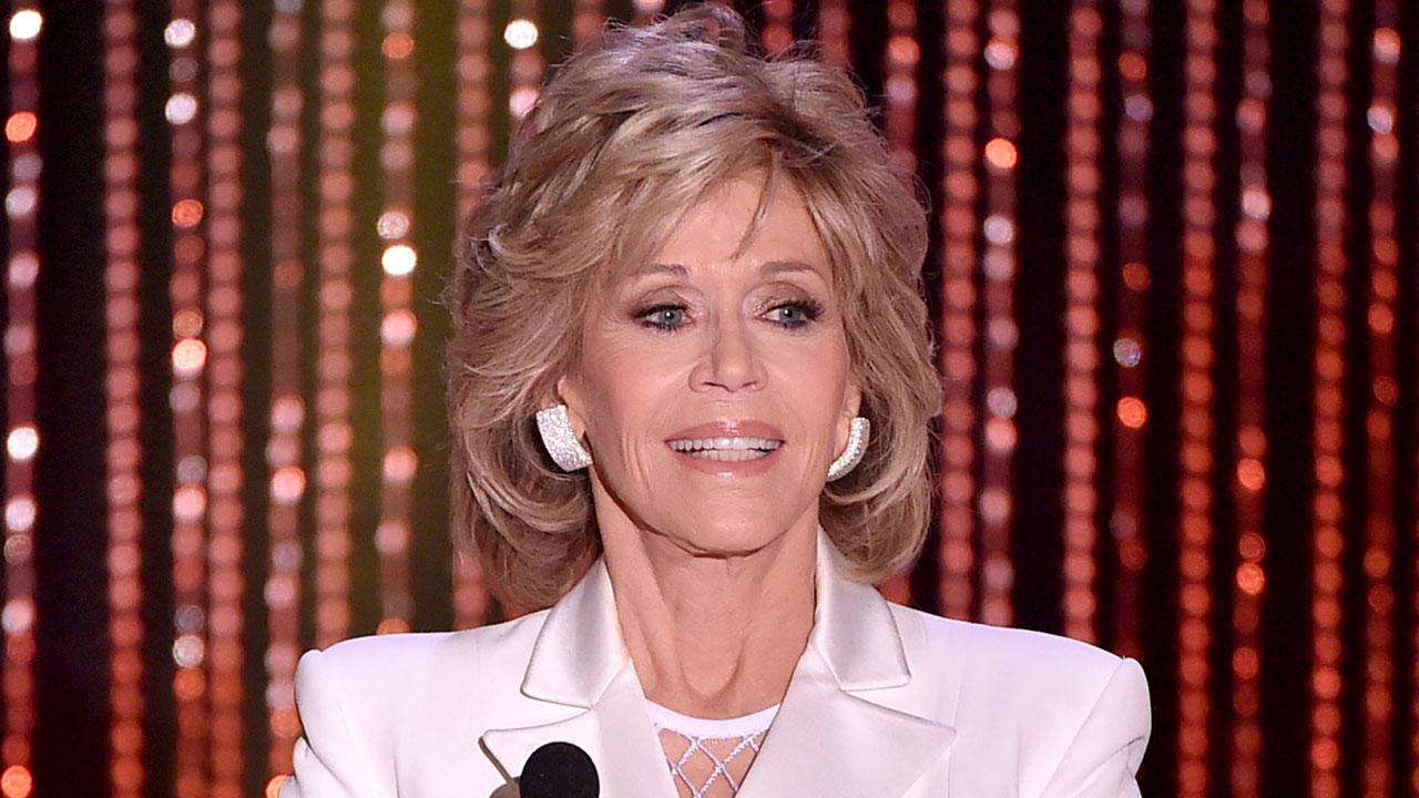 Jane Fonda Says She Was 'Always in Love' With Robert Redford On Movie Sets: 'I Fall Into His Eyes'