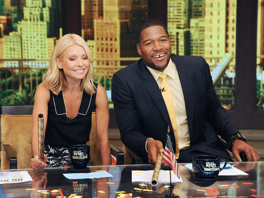 Kelly Ripa Says She Will Return to Live! Alongside Michael Strahan After Weeklong Absence, Tensions: 'We Are a Family'