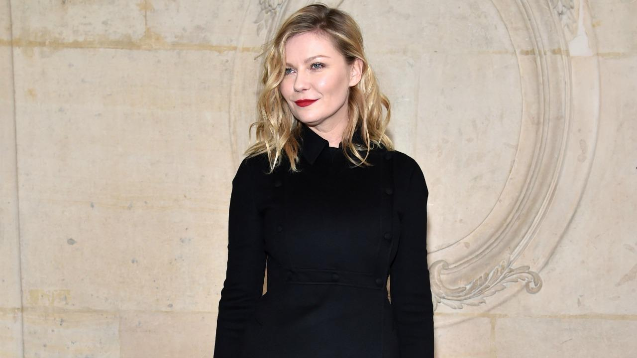 Kirsten Dunst Shows Off Her Engagement Ring -- Check Out the Rock!