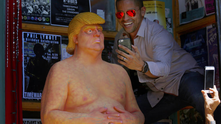 Hey, Los Angeles: There's a naked statue of Donald Trump on Hollywood Boulevard