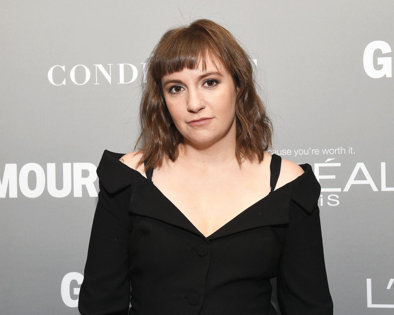 Lena Dunham Says She  's Had Her Period for 13 Days