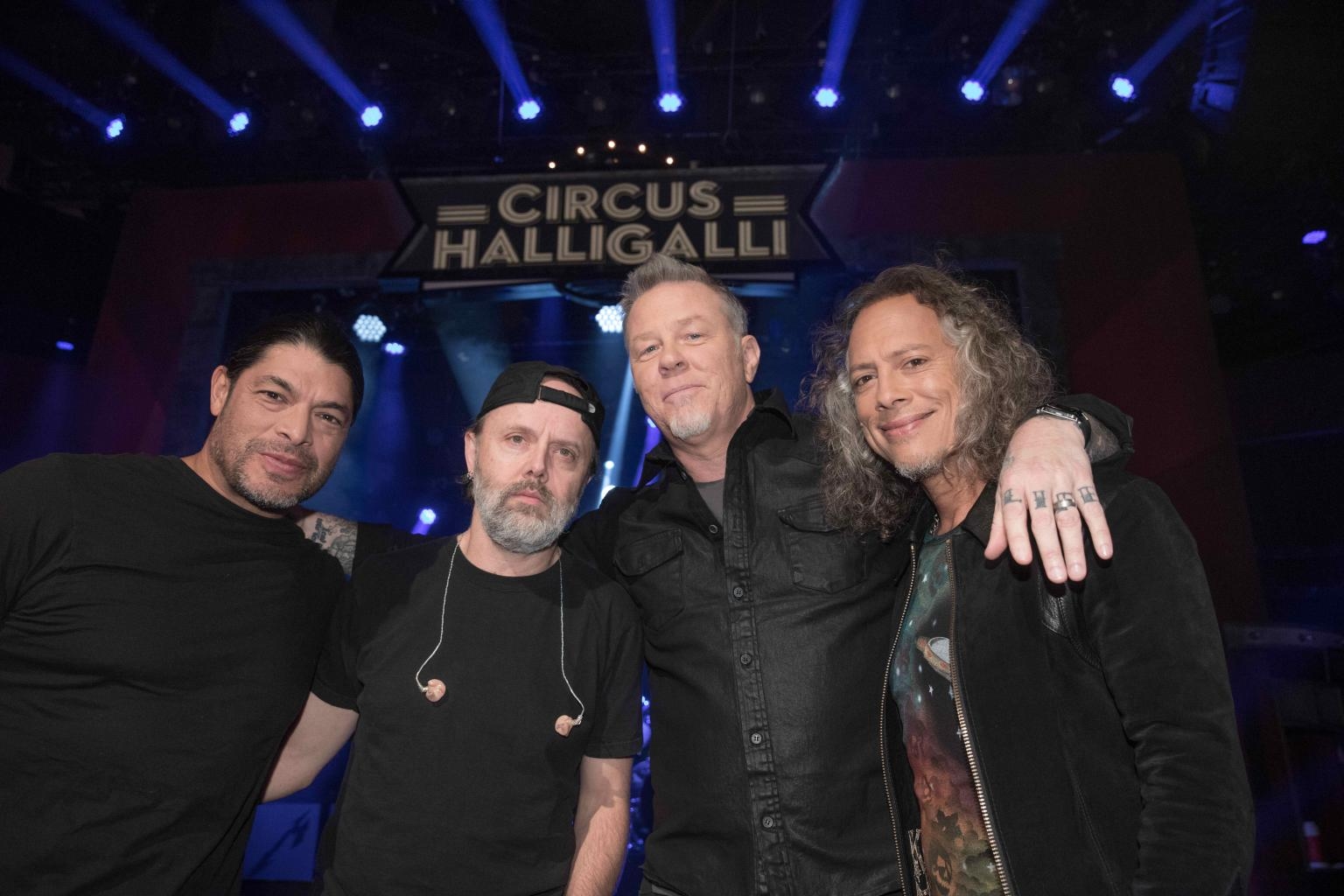 Metallica Rocks Out At The Supermarket