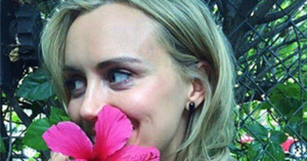 Orange Is the New Black's Taylor Schilling: Using Hashtags t