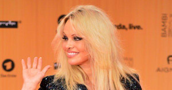 Pamela Anderson Wants Men to Stop Watching Porn Because It's a ''Public Hazard