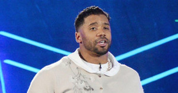 Russell Wilson Joins Ciara's Dance-Off at the Kids' Choice Sports Awards Dressed Up as a Grandma