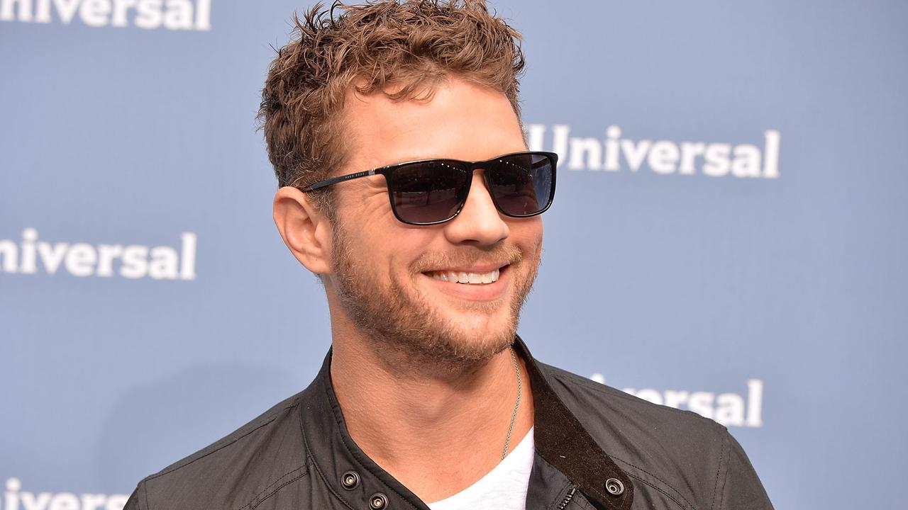 Ryan Phillippe Shows Off His Six-Pack Abs -- See the Sexy Shirtless Pic!