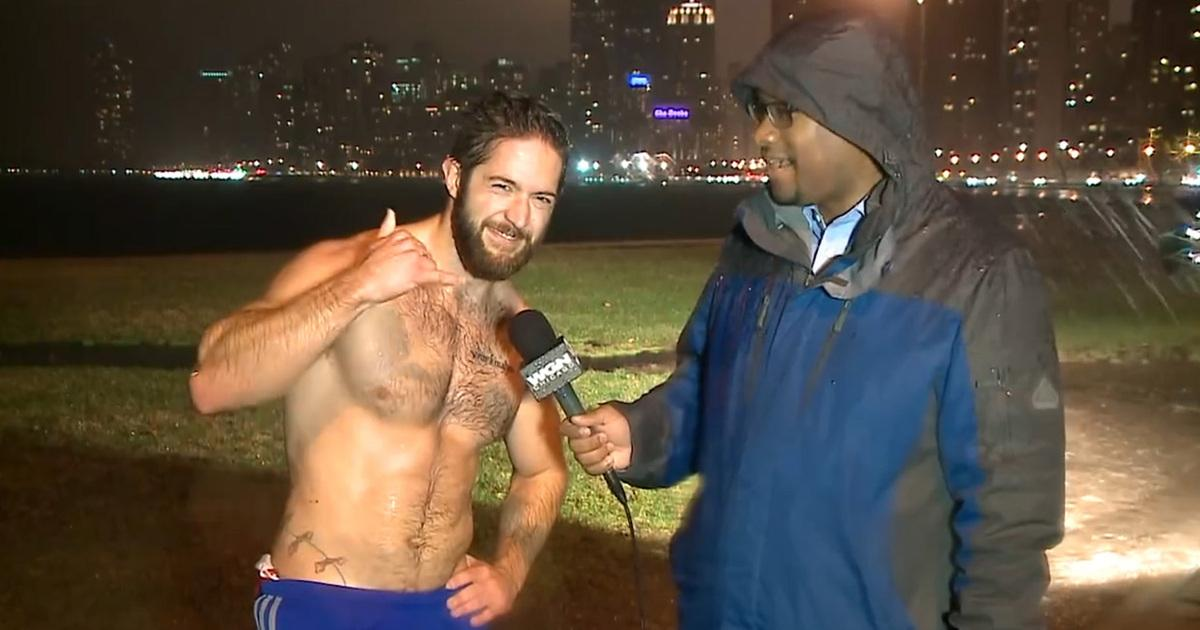 Shirtless Chicago Jogger -- I'm Like Tim Tebow ... But Attai