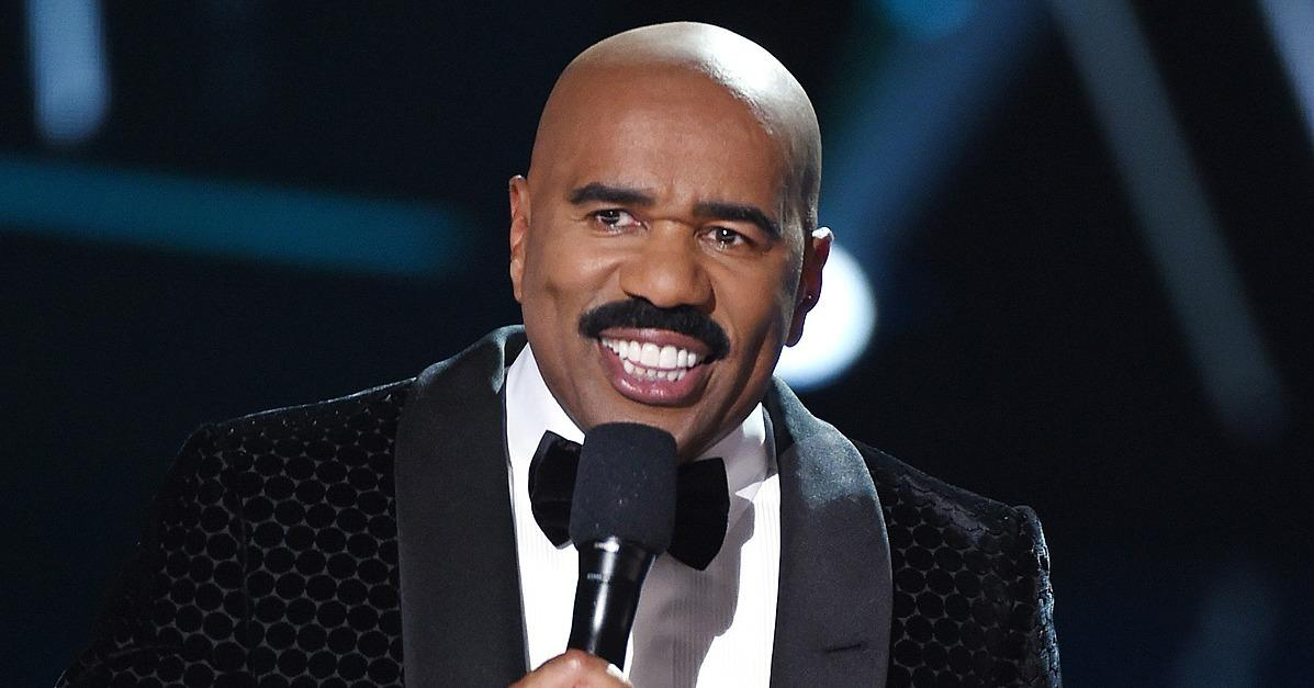 Steve Harvey Instagrams Funny Holiday Nod to That Infamous M