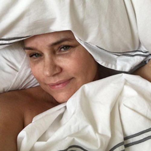 Yolanda Foster Appears With No Makeup as She Continues ''Jou