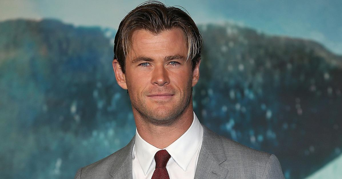 Young Chris Hemsworth Singing and Playing the Guitar Couldn'