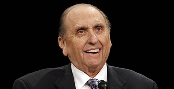 Mormon leader Thomas Monson dies aged 90