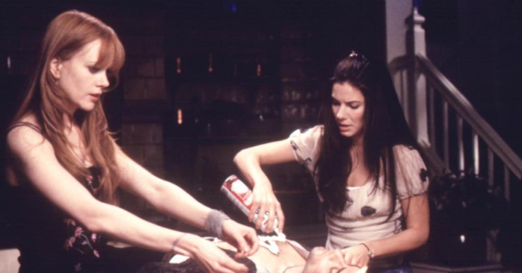 Practical Magic reunion alert Nicole Kidman interrupts Sandra Bullocks Oscars red carpet interview