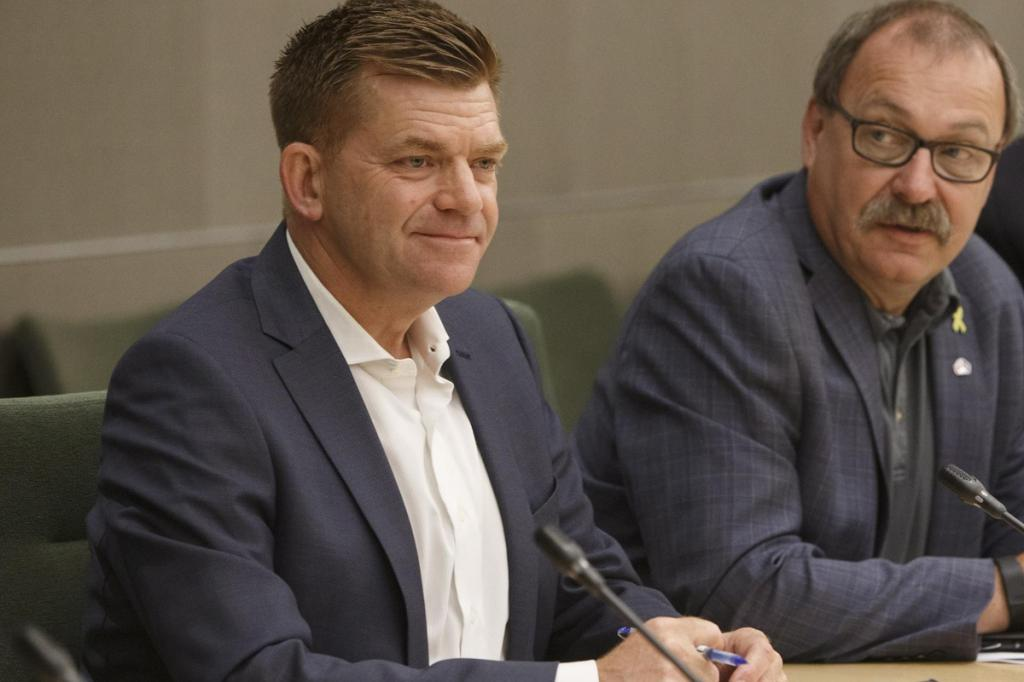Former Wildrose leader Brian Jean resigns from Alberta legislature