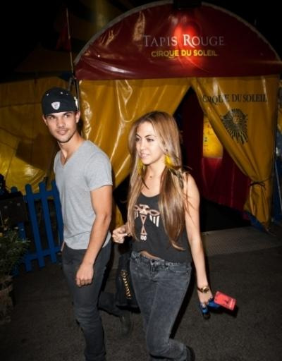 Pics Photos - Taylor Lautner And Sarah Hicks