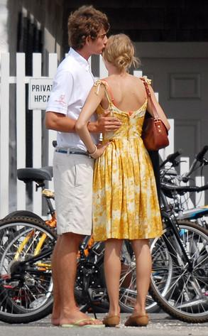 Taylor Swift and Conor Kennedy: Another Day, Another Sweet PDA | E
