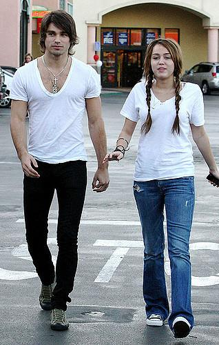 Justin Gaston, Miley Cyrus photos