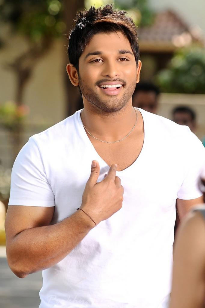 A Tutor For Allu Arjun? - DesiMartini