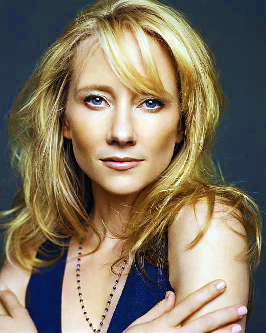 Anne Heche On Her 'drop-dead Gorgeous' New Fashion-centric Drama