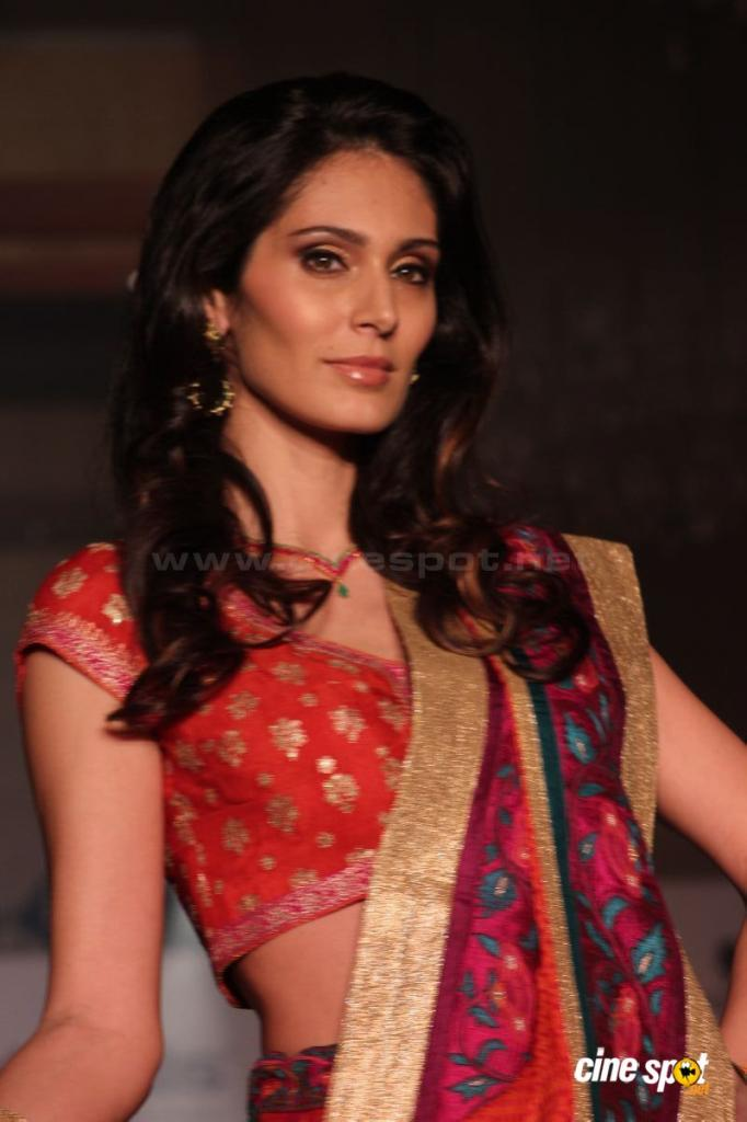 Bruna Abdullah Height Weight Age Husband Affairs