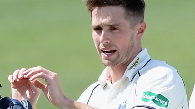 County Championship: Chris Woakes Takes 9-36 For Warwickshire After