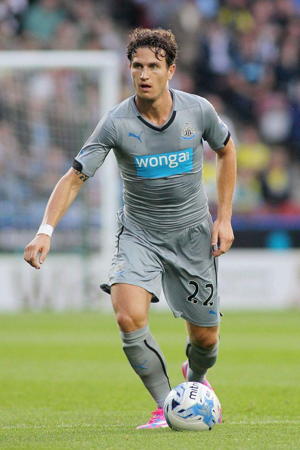 Daryl Janmaat Reveals He Feels Right At 'home' At Newcastle United