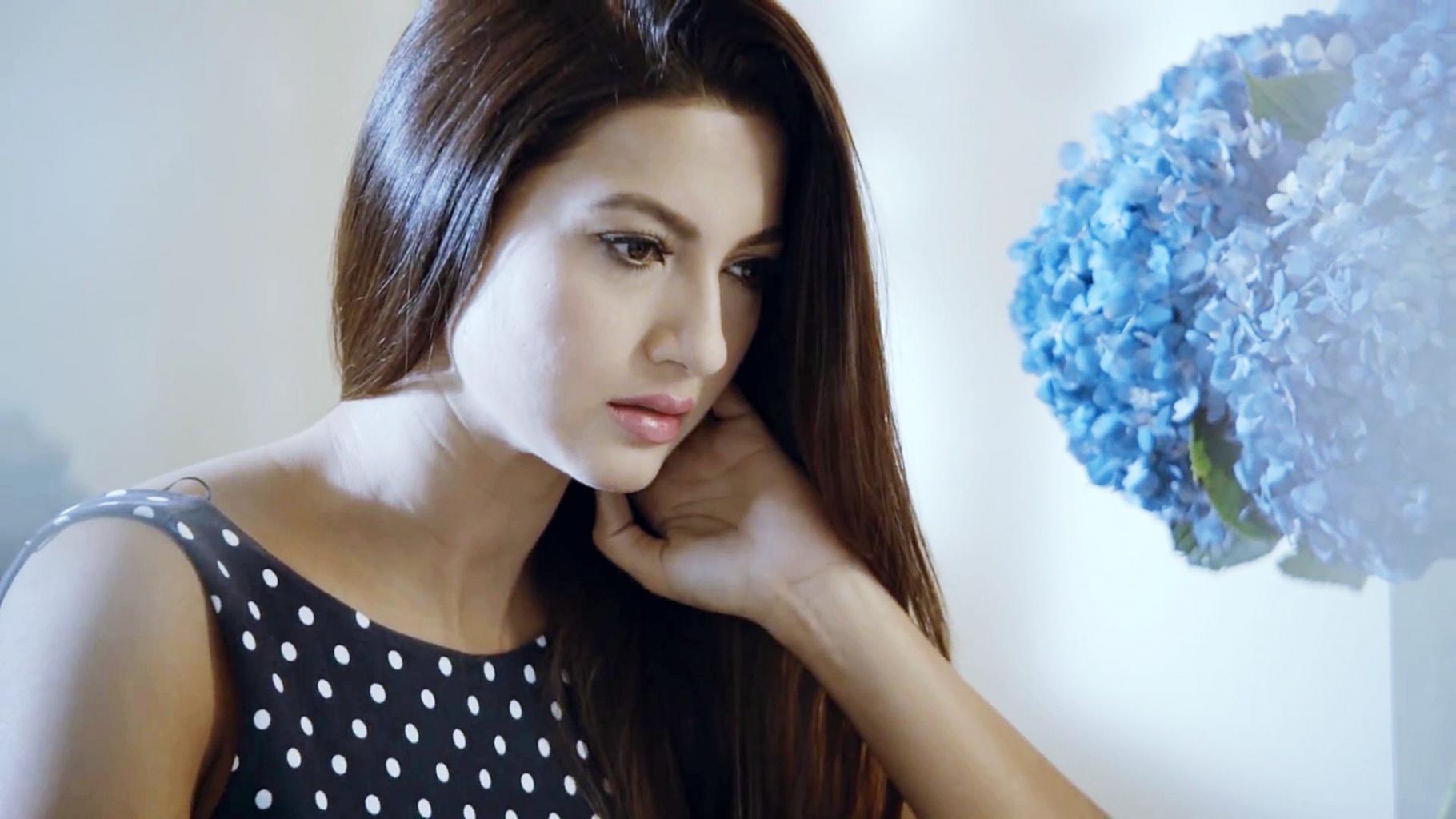 Gauhar Khan Actress Profile  Hot Picture  Bio  Measurements   Hot Starz
