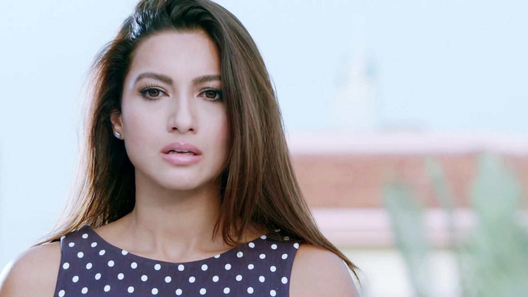 Gauhar Khan Beautiful HD Wallpaper