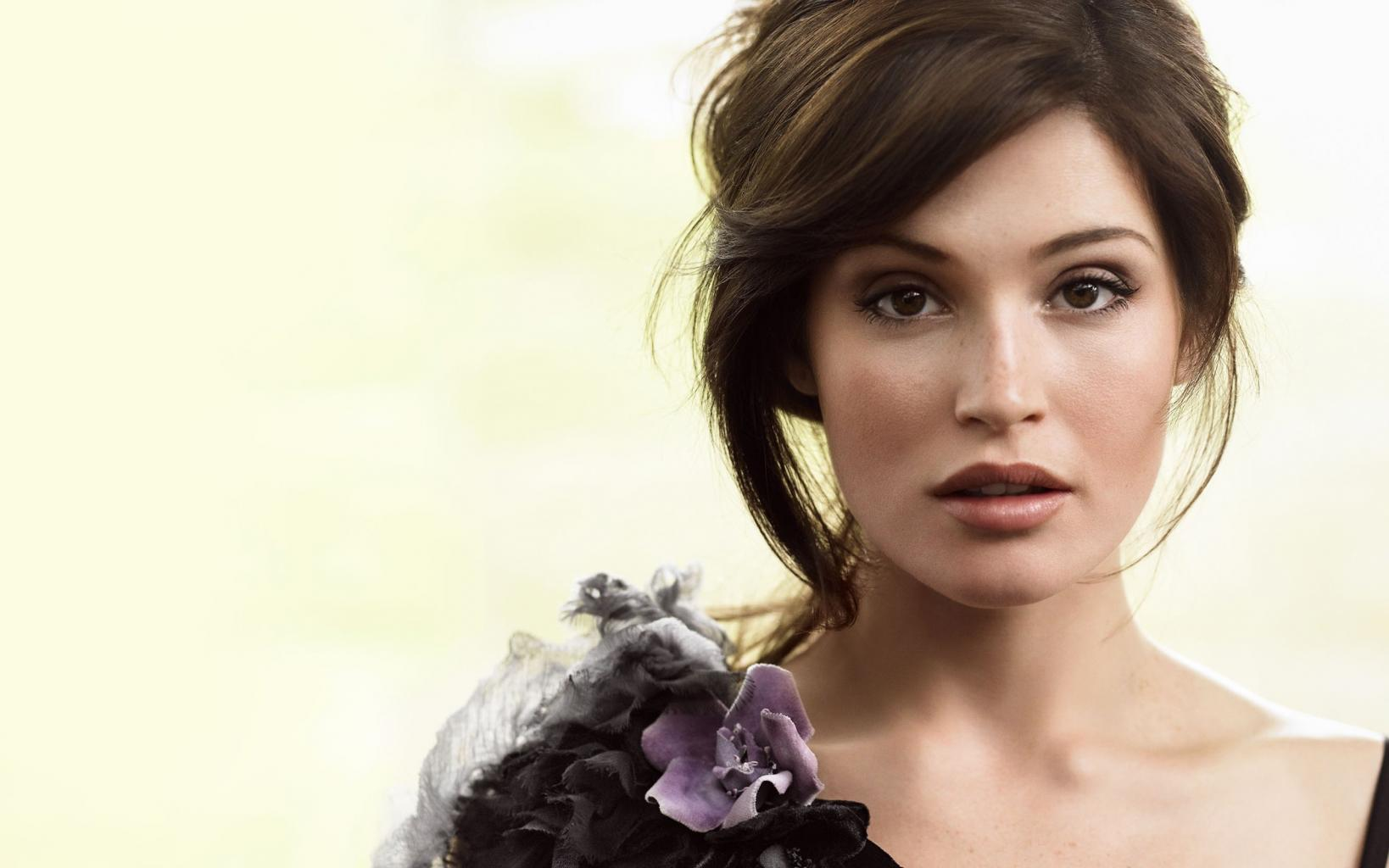 Gemma Arterton Height And Weight Stats - PK Baseline- How Celebs Get