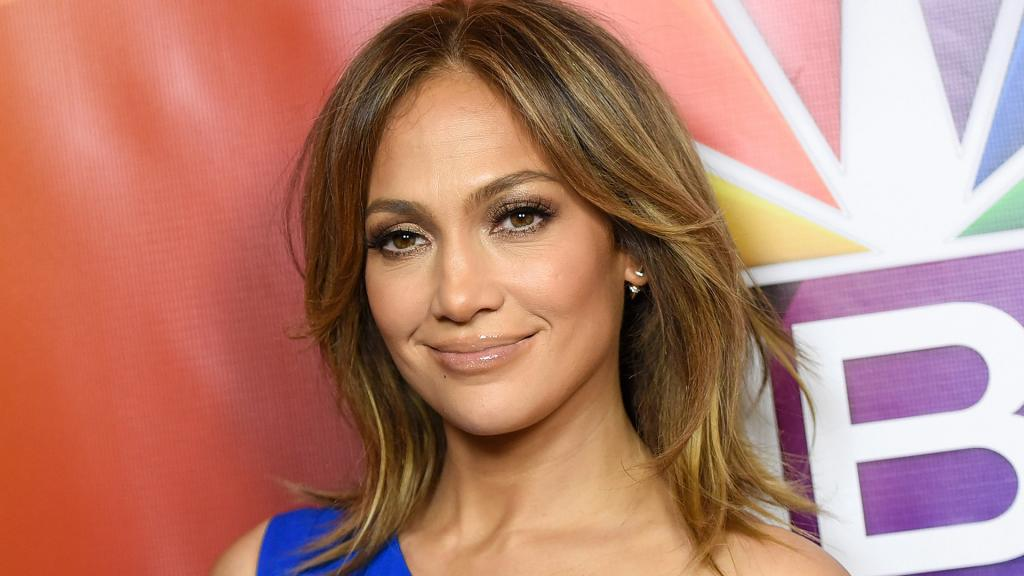 Jennifer Lopez Goes Totally Makeup-free In Funny Instagram Clip