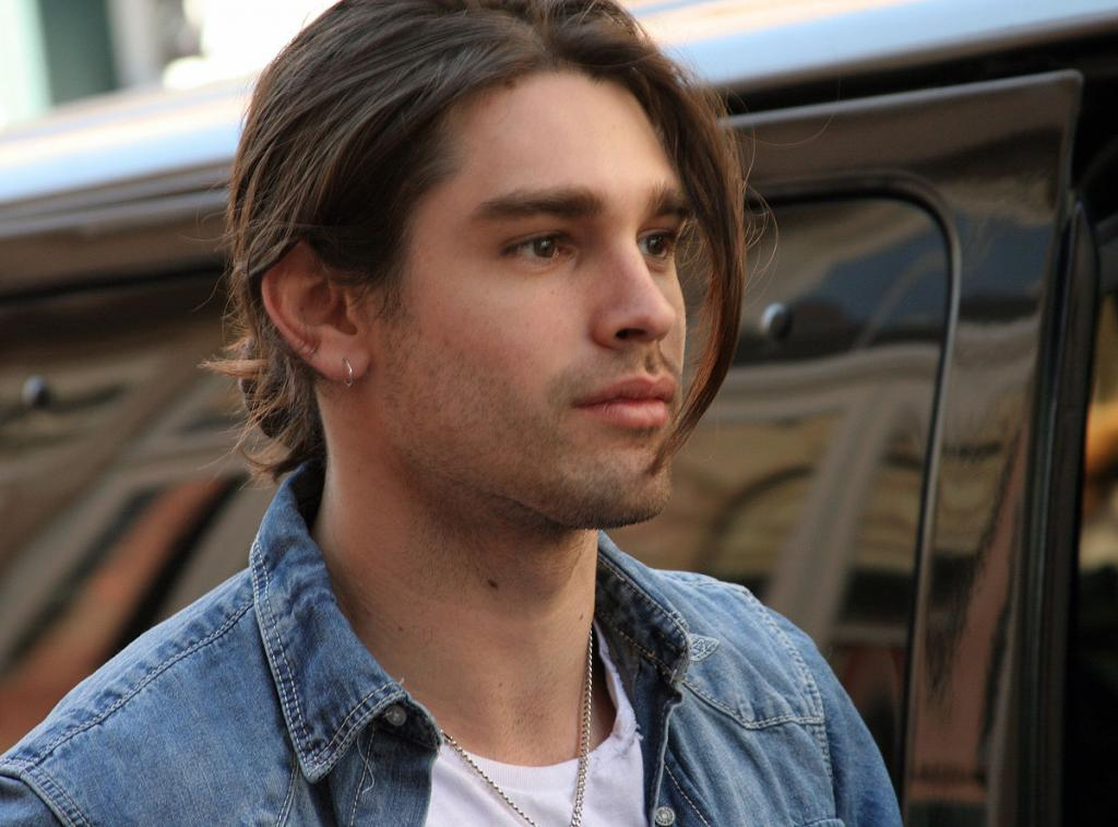 Justin Gaston - Wikipedia