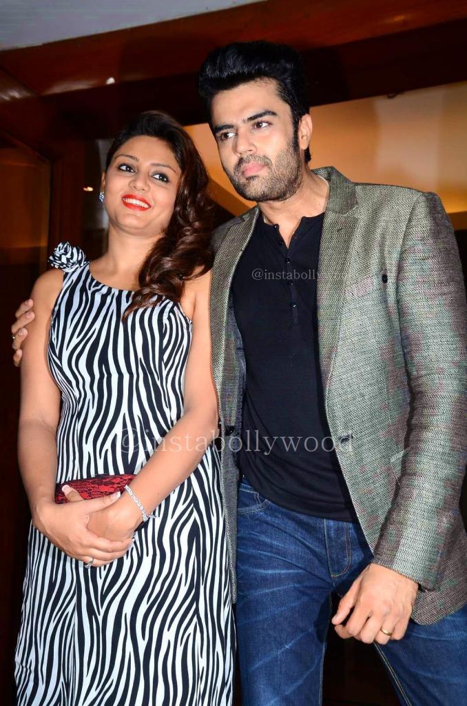 Manish Paul Pics With Wife Sanyukta Paul At His Birthday Bash