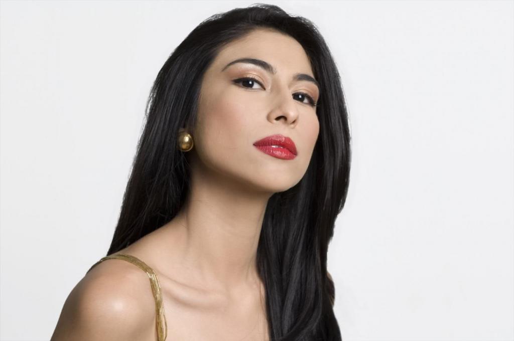 Meesha Shafi Profile  Hot Picture  Bio  Bra Size  Measurements   Hot