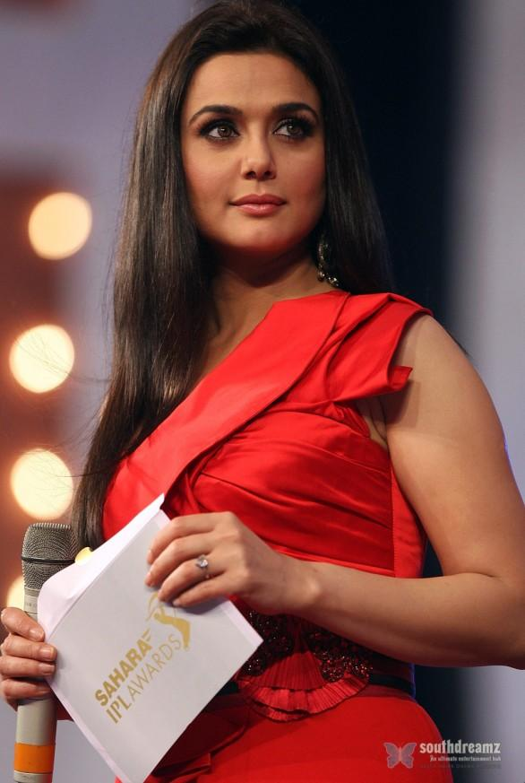 Preity Zinta photos images and wallpapers