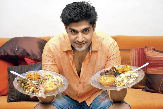 Rati Agnihotri And Son Tanuj Virwani Are Huge Foodies - Entertainment