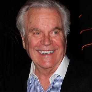 Robert Wagner Dead 2017 : Actor Killed By Celebrity Death Hoax