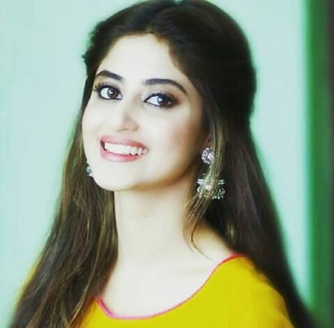 Sajal Ali - Hot Pics, Wiki, Husband, Age, Bollywood Movie