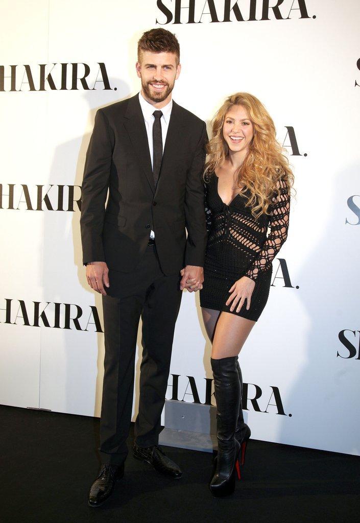 Shakira And Gerard Pique's Sweetest Moments   POPSUGAR Latina