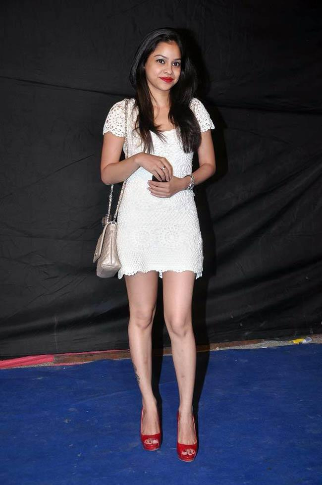 Sumona Chakravarti Height, Weight, Age, Husband, Affairs & More