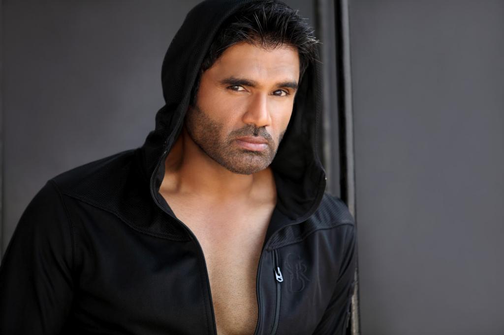 Sunil Shetty Bio, Height, Weight, Age, Biceps, Family - 2016