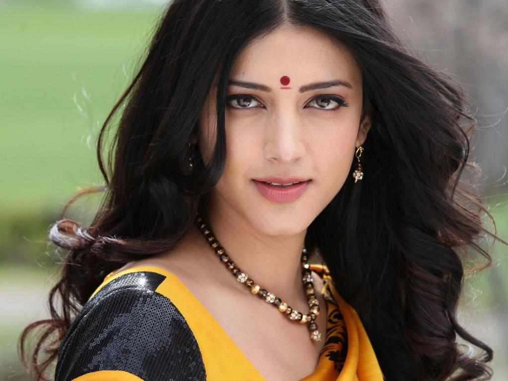 Suresh Raina In A Relationship With Shruti Haasan? - Films Of India
